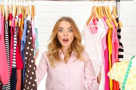 12 cosas que suceden cuando estas en armario segunda mano madrid tienes el armario lleno pero parece vacío por no saber qué ponerte