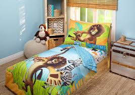 Bed Set Amazon Com Disney Dreamworks Animation Madagascar Behold My Mane