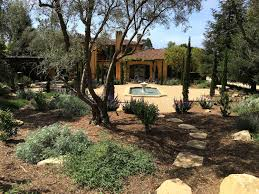 House With Central Courtyard Formal Tuscan Garden With A Twist Montecito Landscape