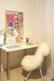 le de bureau sur pied diy 18 déco un bureau customisé avec des pieds or c by clemence