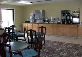 Pet Friendly Hotels With Kitchens by Hotels In Roseville Mn Norwwod Inn And Suites Minneapolis St
