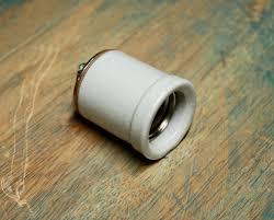 large lipped porcelain light socket vintage lamp holder w
