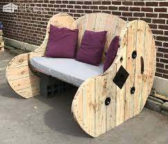 Cable Reel Chair Upcycled Cable Spool Garden Bench Salon De Jardin U2022 1001 Pallets