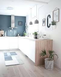 plante cuisine credence pour cuisine blanche kitchen cuisine blanc bleu bois