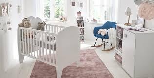 une chambre de bébé poudré univers des enfants décoration