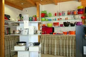 magasin d ustensile de cuisine assortiment des ustensiles de cuisine photo libre de accroche