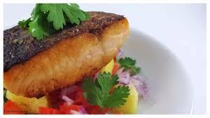 cuisine uip schmidt salmon sellado salsa fresca pina medfil20170403 0001 jpeg