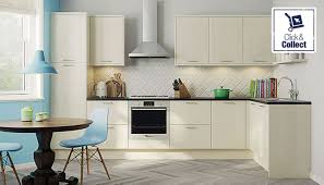ivory kitchen cabinets what color walls paint colours to go with a cream kitchen what color granite goes