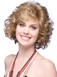 16 fabulous short hairstyles for curly hair olixe style