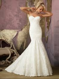 robe de mari e dentelle sirene robe de mariée dentelle sirène en traîne chapelle col en