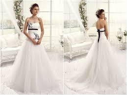 robe de mariã e en couleur robes de mariée avec touches de couleur