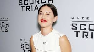 Seeking Rosa Salazar Rosa Salazar Photos News And Trivia And Quotes Famousfix