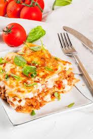 recette de cuisine italienne recette de cuisine italienne dîner avec lasagnes classiques à la