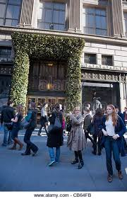 saks fifth avenue black friday saks new york christmas stock photos u0026 saks new york christmas