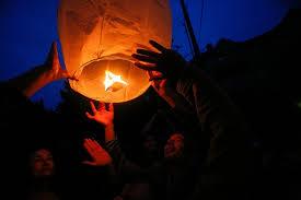 firework lantern hawaii shoots use of sky lanterns wsj
