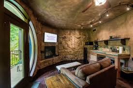 Hobbit Home Interior by Eureka Springs Hobbit Caves