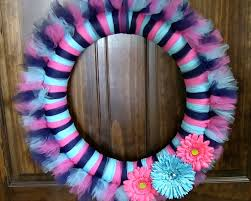 How To Make Halloween Mesh Wreaths by How To Make A Tulle Wreath Youtube