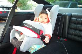 club911 siège auto pour bébé dans une 911