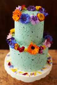 wedding cake edible decorations how to decorate a wedding or celebration cake with edible flowers