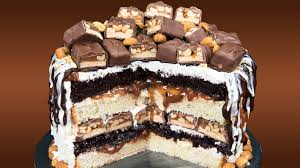 how to make a snickers candy bar cake