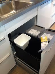 meuble poubelle cuisine étourdissant poubelle coulissante sous evier ikea avec poubelles de