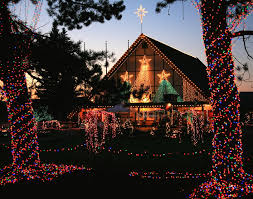 Oregon Garden Christmas Lights Christmas Towns And Getaways In The Northwest