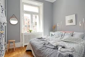 Small Bedroom Designs Home Staging Tips To Maximize Small Spaces - Bright bedroom designs