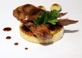 cuisiner aiguillette de canard aiguillettes de canard sauce miel et balsamique lit de polenta