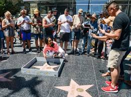 Hollywood Walk Of Fame Map Donald Trump U0027s Walk Of Fame Star Was Walled Off By A Street Artist