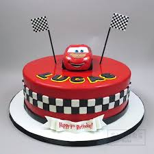 lightning mcqueen cakes cars cake with 3d lightning mcqueen empire cake