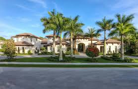 the beautiful palm beach garden for your happiness front yard