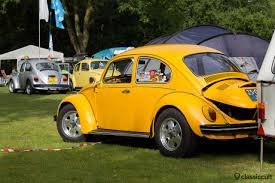 volkswagen bug yellow ikw wanroij 2013 int kever weekend vw beetle budel classiccult