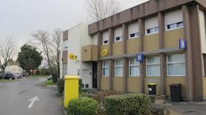 bureau poste la poste va fermer mais devient une agence postale communale la