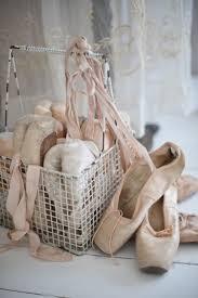 best 25 vintage baskets ideas on pinterest vintage picnic