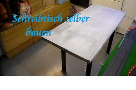 Kleiner Arbeitstisch Diy Tisch Aus Paletten Und Beton Selber Bauen Beton Schreibtisch