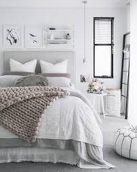 chambre grise et blanc chambre grise et poudre 7 gris domine cc 81e blanc immacule 81