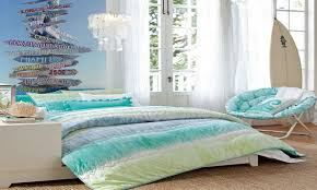 simple beach themed bedroom ideas with nice curtains and beddings