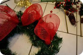 christmas mesh wreaths the sparacino chronicles christmas deco mesh wreath tutorial