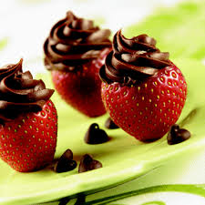 chocolate strawberry inside out chocolate strawberries nestlé best baking