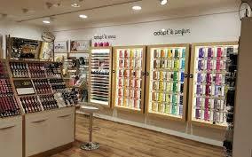 adresse siege nocibe parfumerie la marque bordelaise adopt prévoit de créer 500