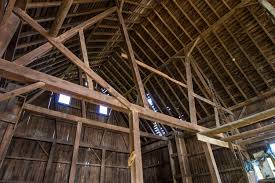 Hip Roof Barn by Decor U0026 Tips Stunning Barn House With Wood Posts And Ceiling
