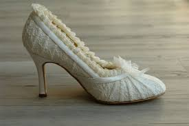 lace wedding shoes wedding dresses guide