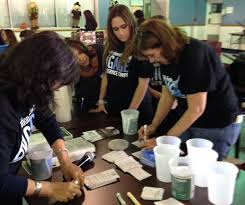 volunteers from uja federation of new york u0027s engage jewish service
