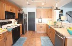 modern kitchen white shaker cabinets