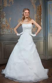 robe de mari e femme ronde des robes de mariée pensées pour les grandes tailles