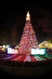 celebrate the holidays with dollywood pigeonforge com
