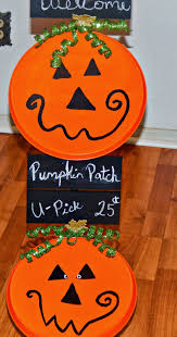 cute happy halloween sign diy halloween pumpkin topiary this ole mom