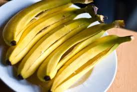 ellen sturm niz 18 surprising home uses for banana peels by ellen sturm niz happy