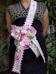 baby shower sash baby shower to be it s a girl giraffe sash pink safari ribbon