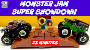 grave digger 30th anniversary monster truck toy monster jam super showdown 23 minutes 3 rounds grave digger youtube